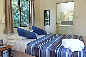 Daintree Valley Haven Queen bed