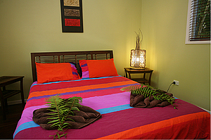 Queen bedroom - Daintree Secrets